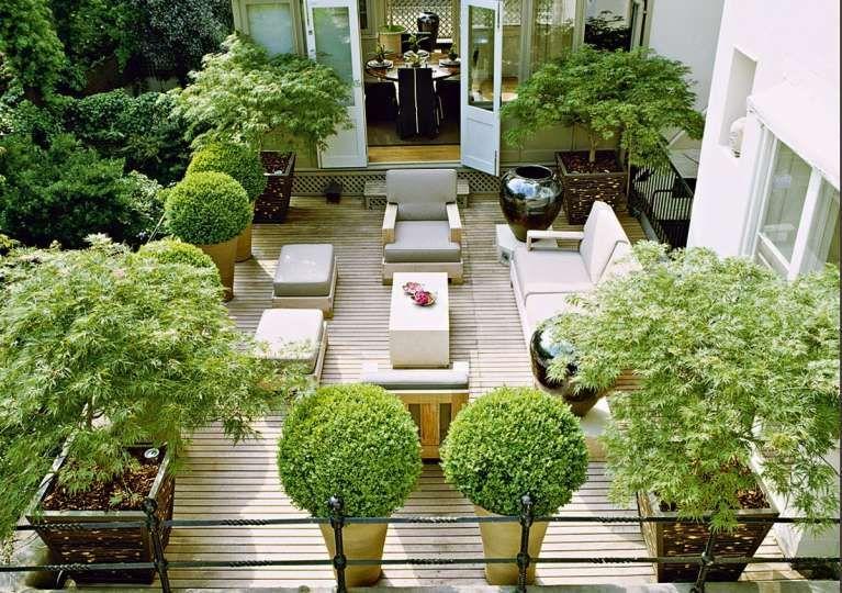 terrazzi arredati con piante