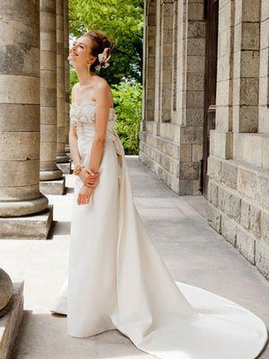60ecdb8701fed Carolina Herrera   誰もが大好き♡大人可愛いウェディングドレス♡2017♡ - NAVER まとめ