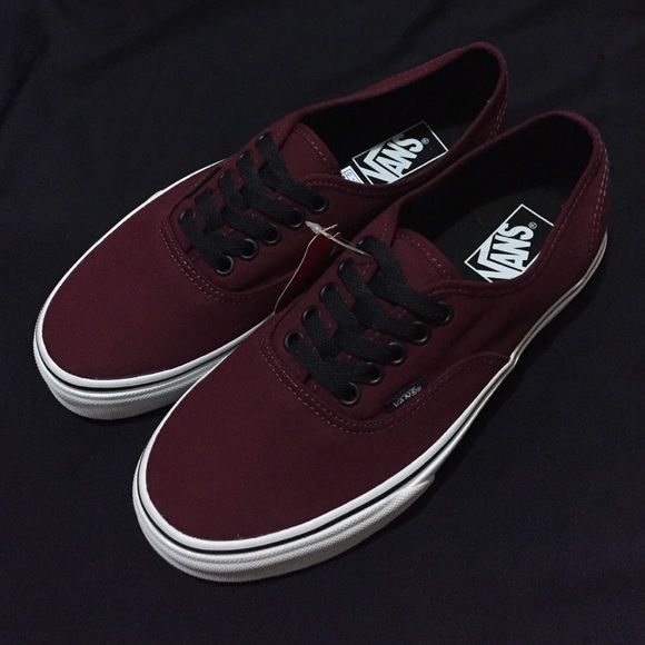 Vinröda Vans Old Skool. NWT  VANS Authentic Authentic Port Royale Black  Womens 8.5 (Mens 7) UNWORN 3f3c741e0