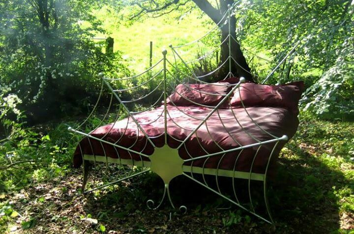 Omg I Want This Lol Spider Web Bedframe Sweet Dreams