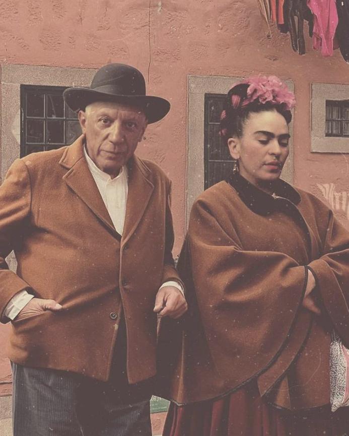 Frida Kahlo And Pablo Picasso Pablo Picasso Cubismo, Arte Pintura, Obras De Arte, Fotos Históricas, Frida Khalo Fotos, Artistas Portugueses, Pintoras Famosas, Surrealismo, Cultura