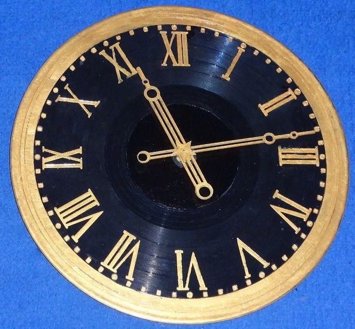 С курантами часы продам спб ломбард часы наручные