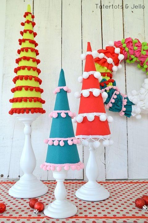pom pom holiday trees at tatertots and jello
