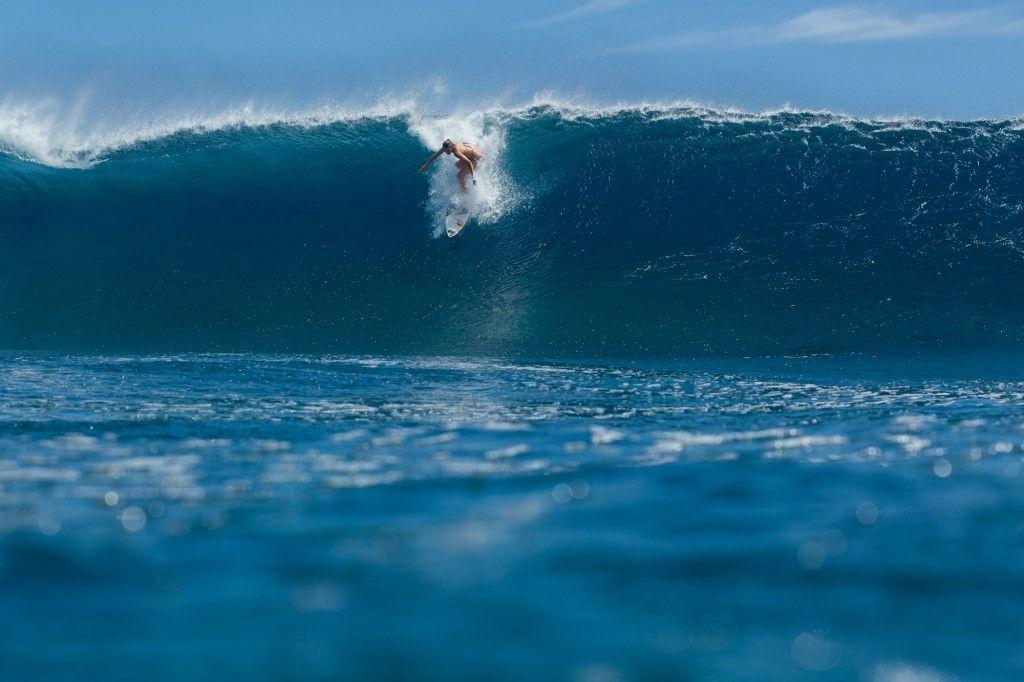 Sally Fitzgibbons Woah Surfing Wallpaper Beach