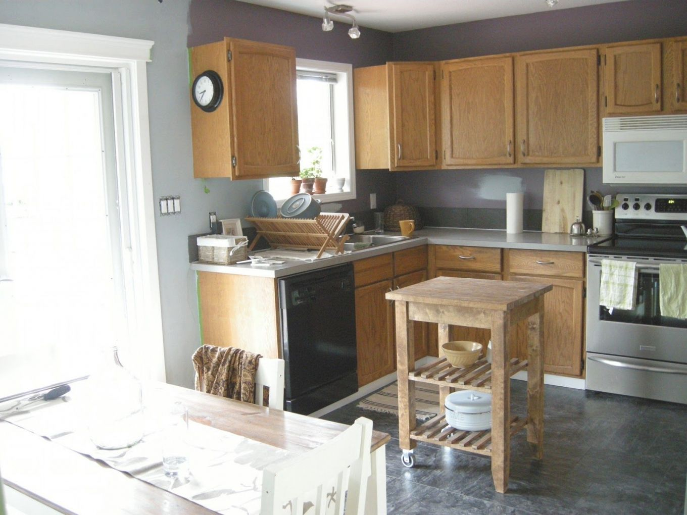 Blue Gray Kitchen Walls Kitchen Wall Colors With Oak Cabinets Intended For Blue Kitchen With Oak Cabin Grey Painted Kitchen Grey Kitchen Colors Kitchen Paint