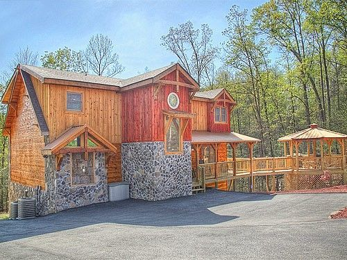 Majestic springs lodge 3 bedroom cabin rental pigeon forge and gatlinburg smoky mountain for 3 bedroom cabins in smoky mountains