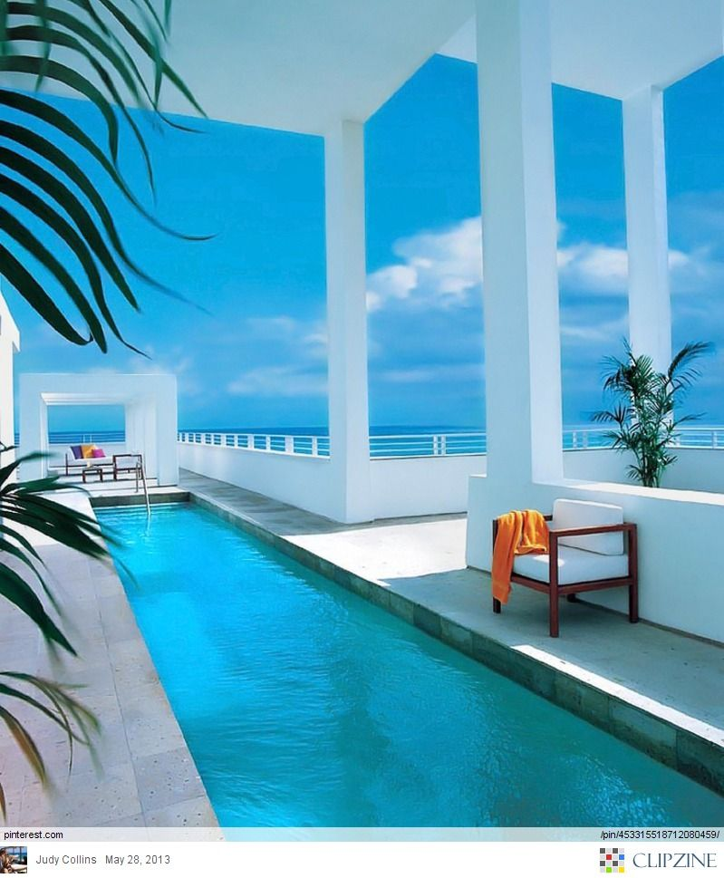 Beach Home...ill take it  I AM in this beach house with several friends