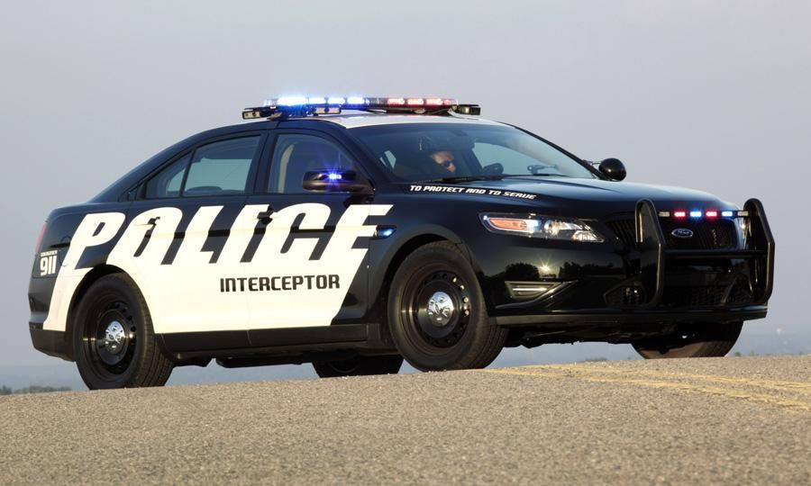 Crown Victorious 2013 Ford Taurus Interceptor Might Save Precincts Fuel And Money Ford Police Interceptor Police Cars