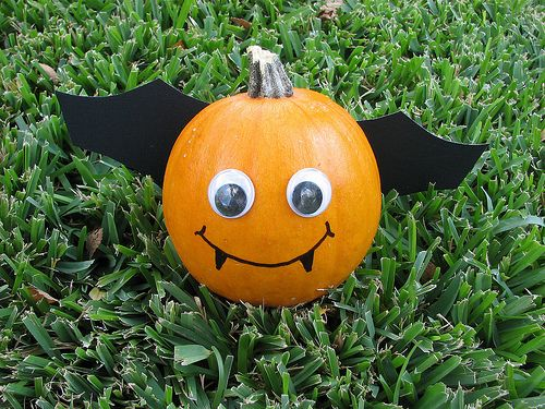 Cute Little Pumpkin Bat Paint Decorate Ideas