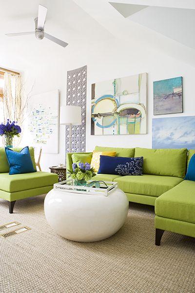 Mix And Chic Cool Designer Alert Samantha Pynn Living Room Green Room Colors Green Sofa