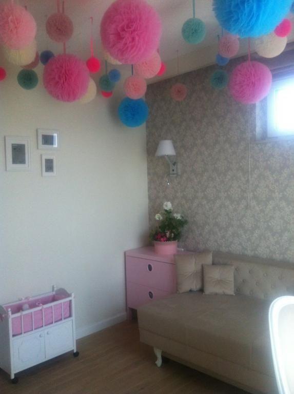 Pompon Pompony Z Tiulu Tiul Zawieszki Kula 15 Cm 4264563357 Oficjalne Archiwum Allegro Baby Mobile Decor Kids