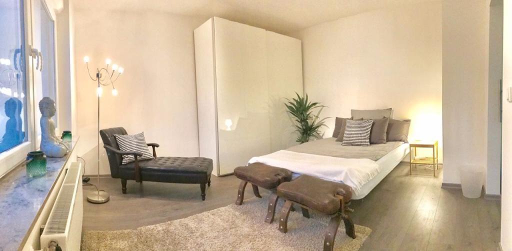 Das Luxus Schlafzimmer Die Einrichtung Ist Modern Und Edel Ein