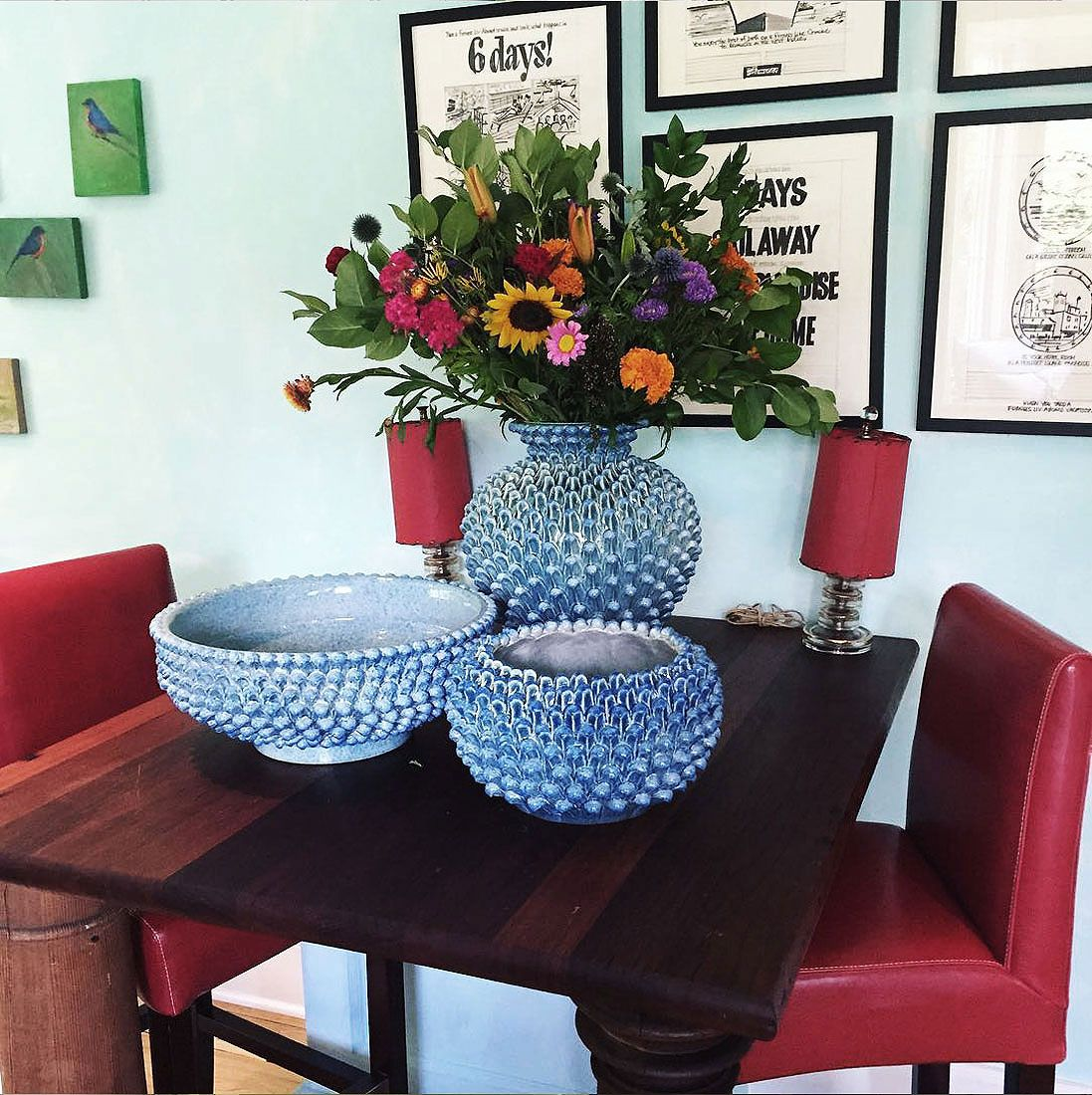 Cozy kitchen setting with beautiful flower bouquet in blue ceramic ...