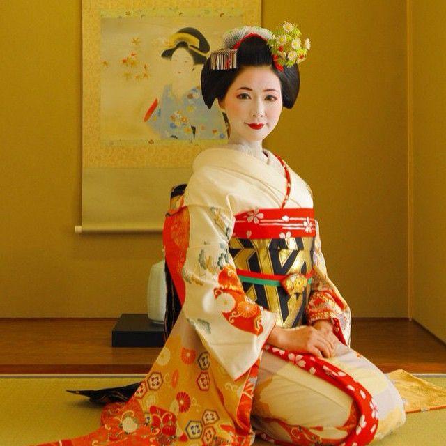 Maiko Henshin Shiki Geisha Japan Kimono Japan Beautiful Japanese Women