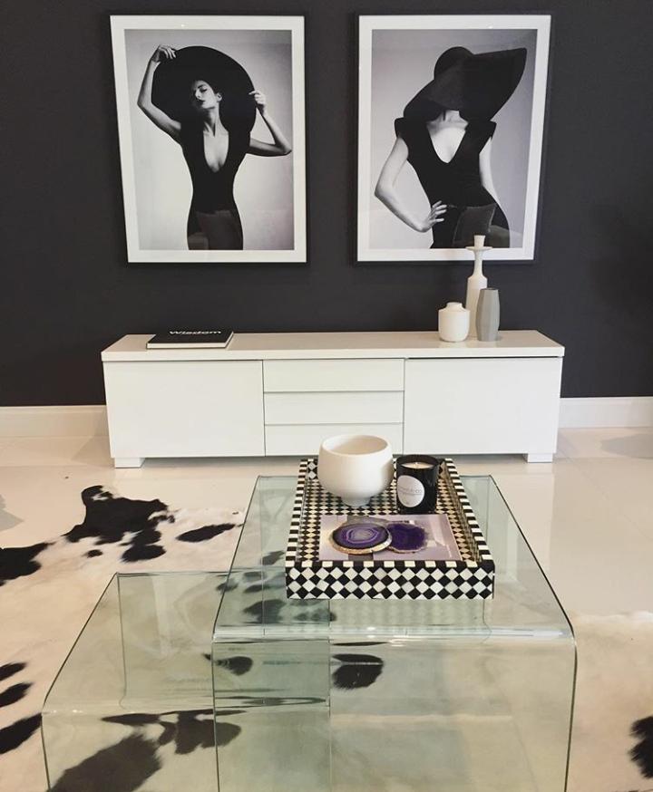 Dark Accent Wall Behind Vanity: Pin On Black & White