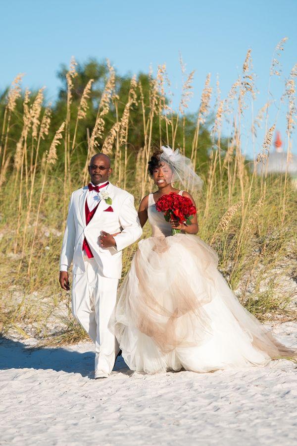 Hakemia And Bradford Jackson A Glamorous Red White Beach Wedding In Florida Munaluchi Bridal