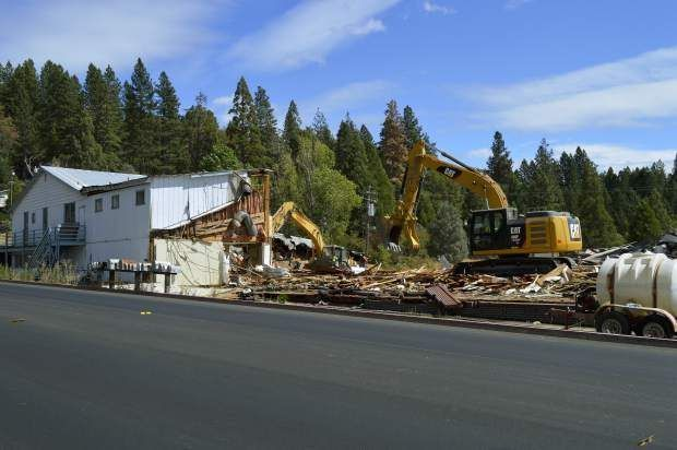 Teardown Begins For Tractor Supply Company In Grass Valley Tractor Supply Company Grass Valley Tractor Supplies