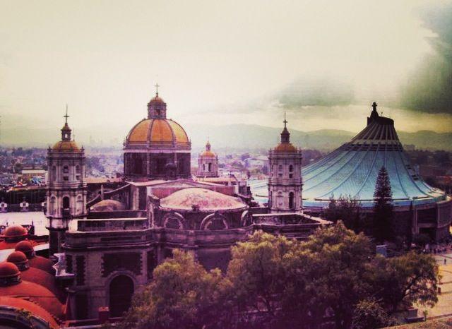 La Antigua Basílica de Guadalupe y La Basílica de Guadalupe, Cuidad de México, México