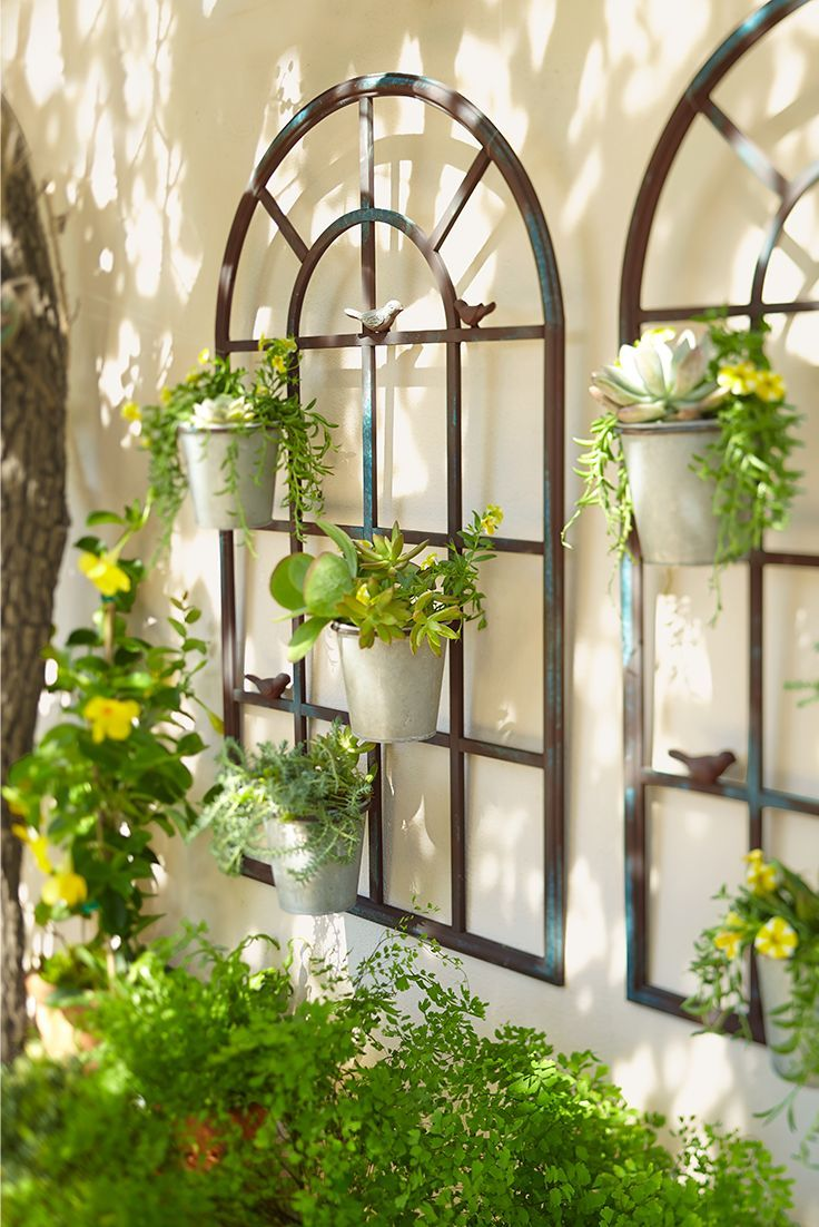 Bring Sunny Cheery Style To Your Favorite Space With Pier 1 S Delightful Birdies Wall Planter The Window Shape Decoration Jardin Deco Jardin Pas Cher Jardins