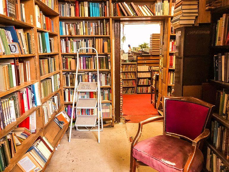 12 Beautiful Edinburgh Bookstores Edinburgh Bookstore Cafe Window