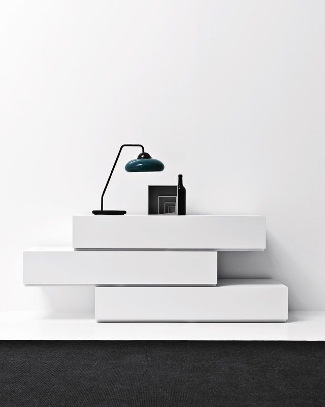 En mi dormitorio yo voy a la comoda moderno furniture for Moderno furniture