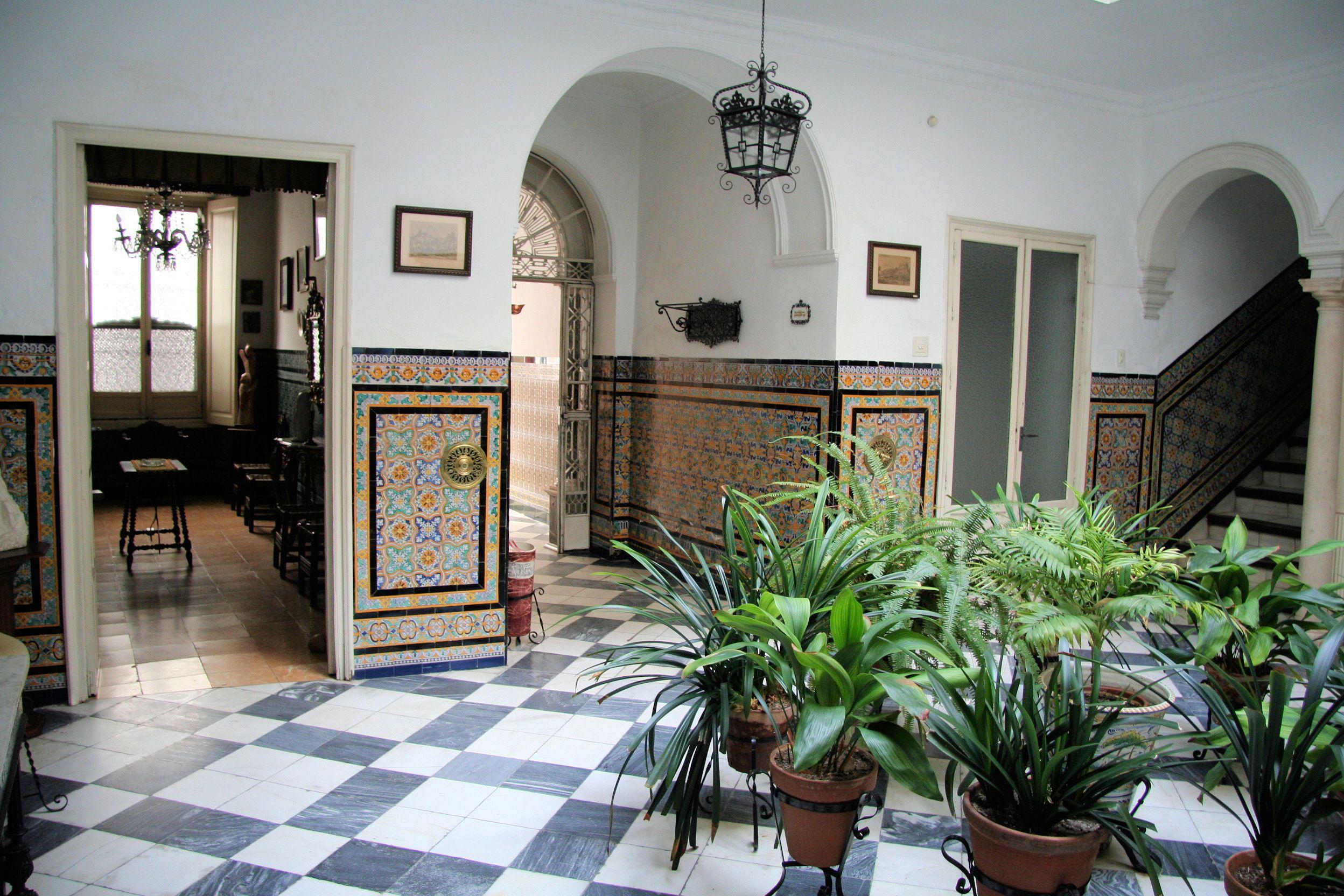 Una casa con patio en el centro de Sevilla. Casa con