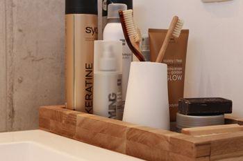 Afbeeldingsresultaat voor houten accessoires badkamer | Haus Bad ...