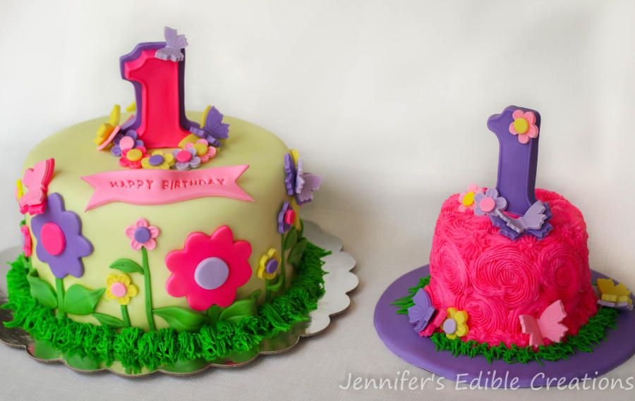 Flowers And Butterflies 1st Birthday Cake With Matching Smash Cake Cake By Jennifer S Girls First Birthday Cake 1st Birthday Cakes Birthday Cake With Flowers
