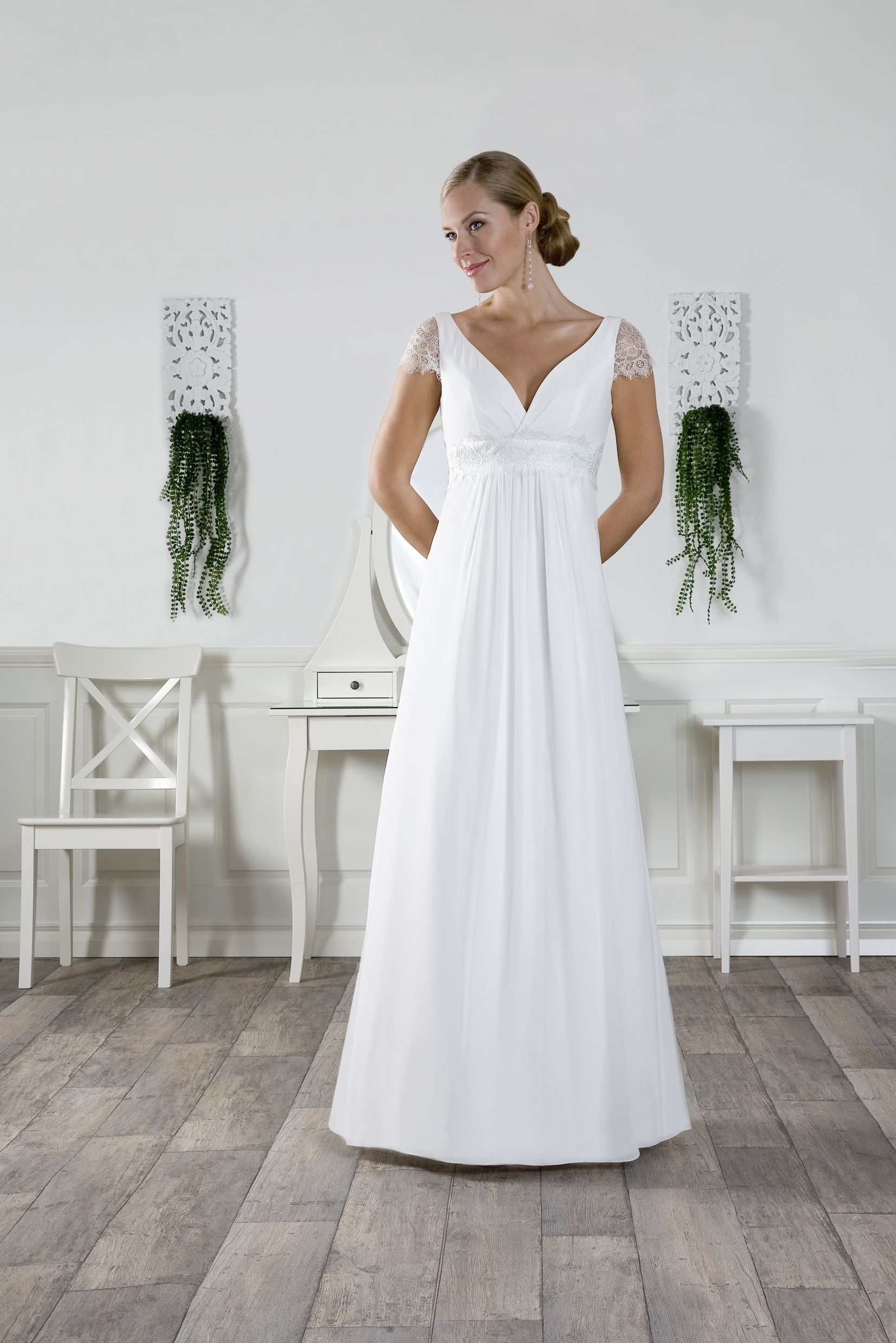 9d00e6608d67 Welcome | Nixa Design | Bryllup: Outfitted | Formal dresses, Wedding ...