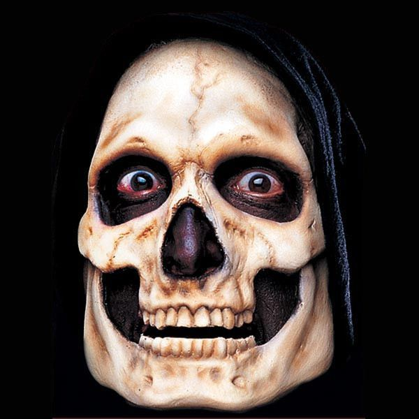 The Woochie Pro FX mask is an unpainted foam latex mask, designed to be applied to the face using spirit gum or another theatrical adhesive, and then colored using airbrush paints, creme makeup, or ru