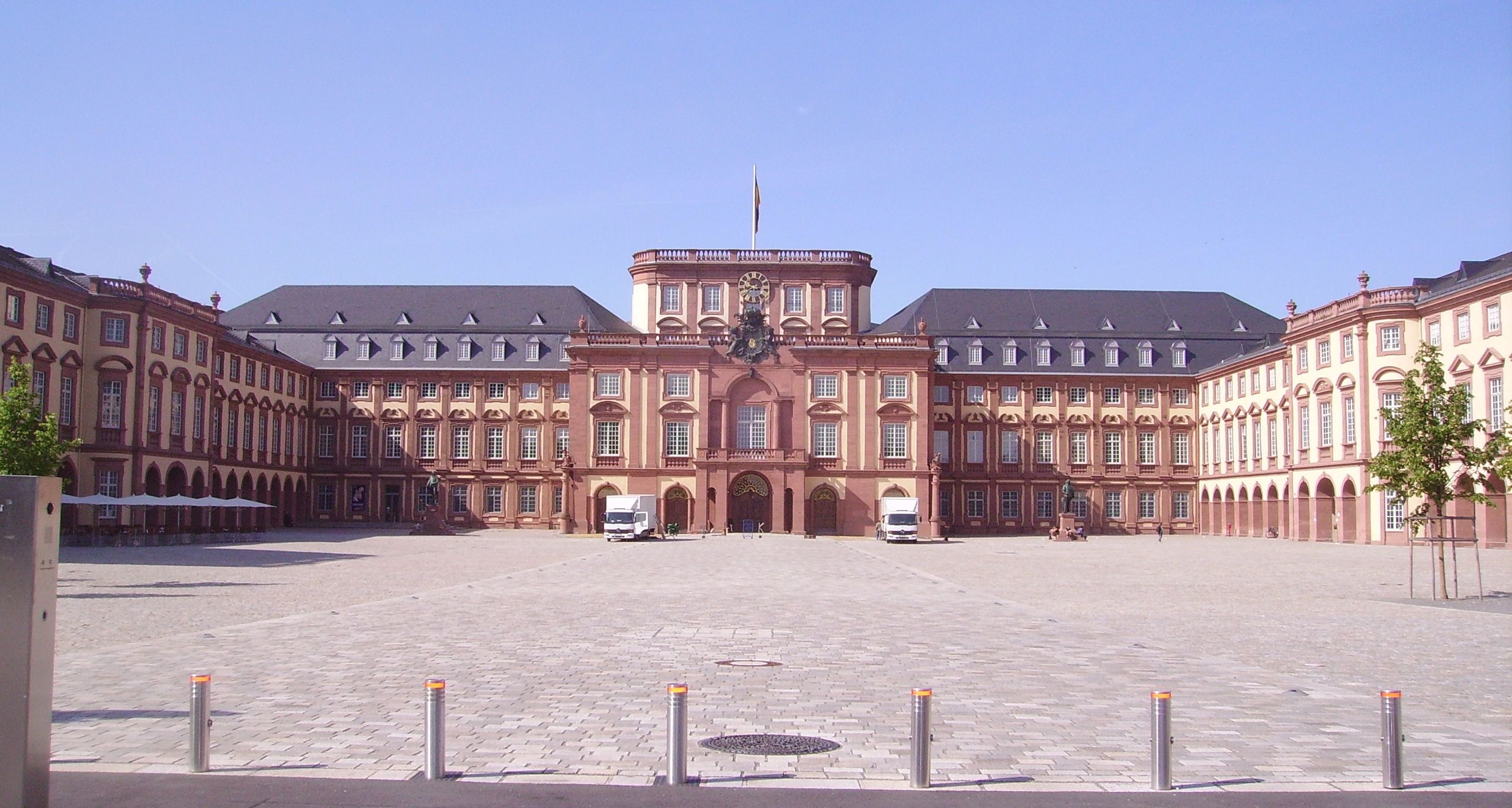 Germany Castles frankfurt_169 #germany #castles #travel
