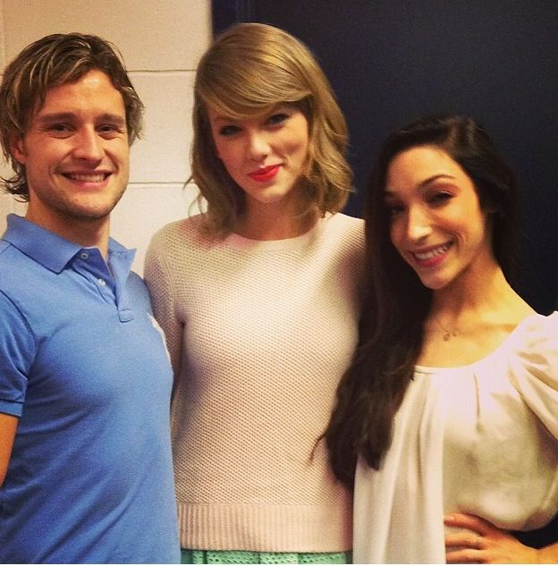 Meryl Davis and Charlie White met Taylor Swift at the Stars On Ice
