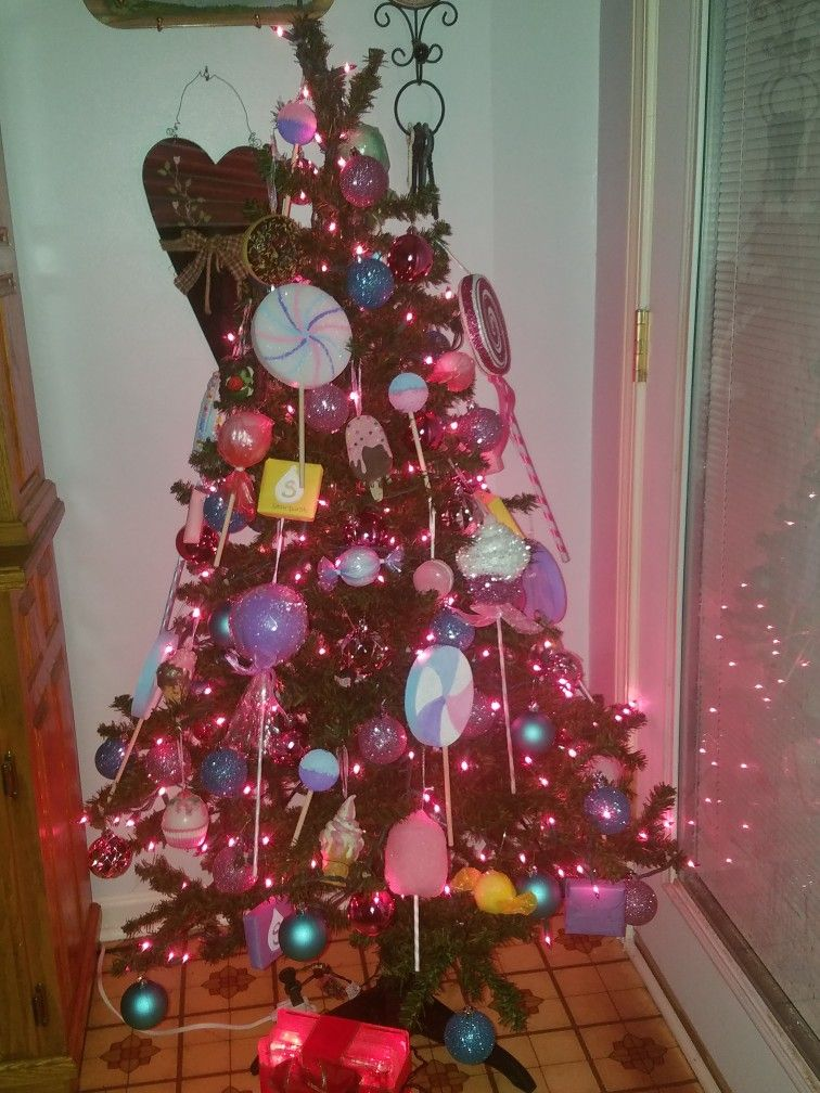 My Candy Themed Christmas Tree 2018 I Made Most Of The Ornaments Myself Christmas Tree Themes Holiday Decor Christmas Tree