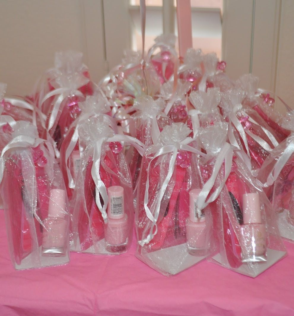 best bridal shower gifts for guests%0A baby shower favors