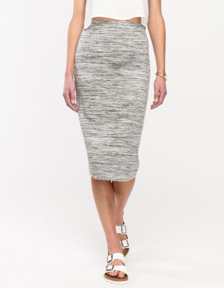 Love the length and the high waist. Dress down with flats and a tee or up with silk and heels.