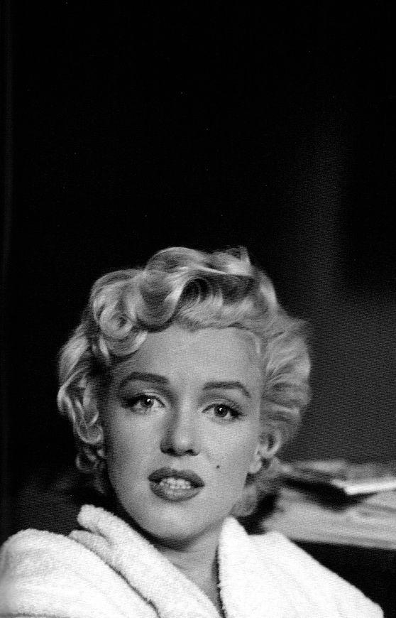 Marilyn Monroe By Bob Henriques The Seven Year Itch Marilyn Monroe Imágenes De La Película Marilyn Monrroe