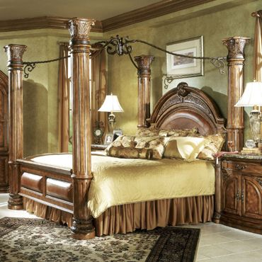 Monte Carlo Queen Canopy Bed In Classic Pecan