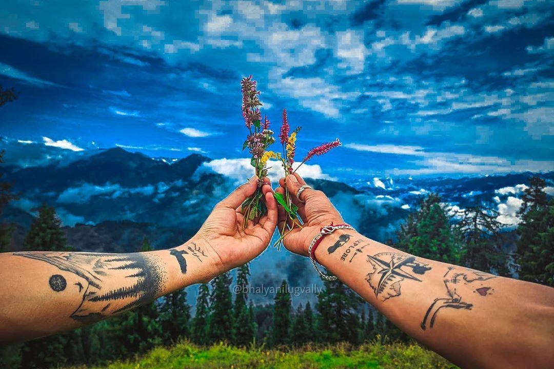 Gratitude . . . Like Share And Follow For More 🖤🖤🖤 #love #inked #tattoo #tattoos #tattooideas #wonderlust #himachalpradesh #bhalyanilugvally #kullu #kullumanaliheavenonearth #manali #travelholic #travelgram #twitter #amazing #hypercars #architecture #keepgoing #hiking #adventure #shotonredmi @redmiindia #shotonk20pro #shotononeplus #mobilephotography #beauty #voyager #voyaged #nature #natgeotravel #bbcearth