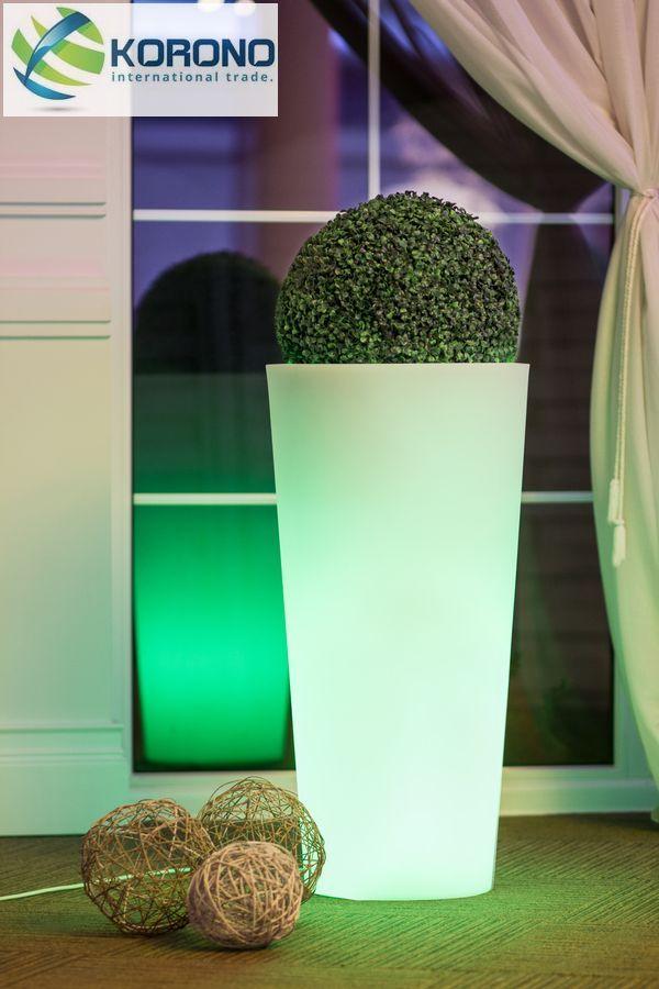 ronde bloempot met led een moderne bloempot met led verlichting onderin geeft sfeer aan