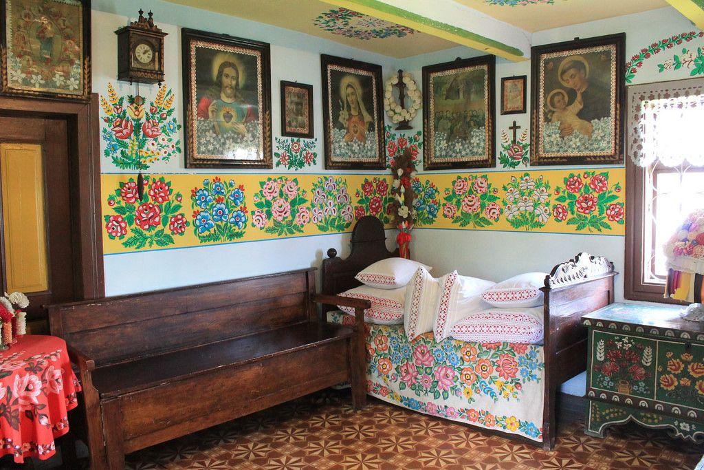 Zalipie Un Village Colore En Pologne Pologne Peindre Maison