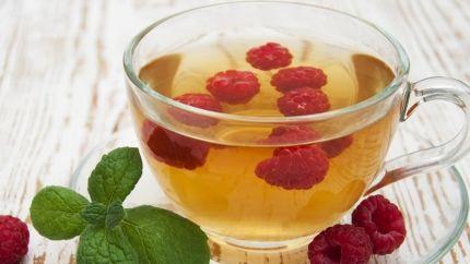 شاي بالنعناع والتوت Recipe Raspberry Leaf Tea Benefits Raspberry Leaf Tea Growing Raspberries