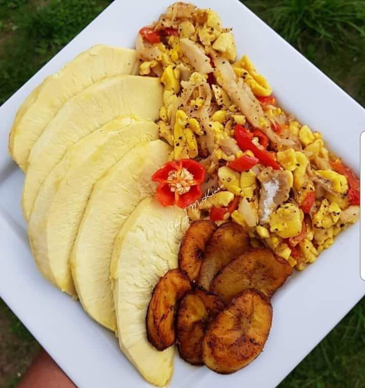 Road breadfruit, ackee and salt fish with fry plantain (With images) | Jamaican recipes, Food ...
