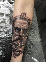 Resultado De Imagen Para Tatuajes Realismo Zeus Brazo Hombre