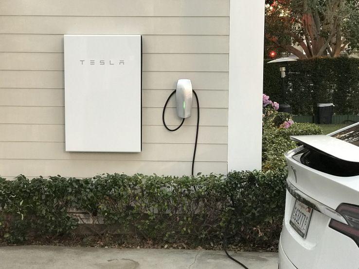 Tesla S Powerwall 2 Packs Over Twice The Energy Storage Powerwall Tesla Powerwall Tesla Solar Roof