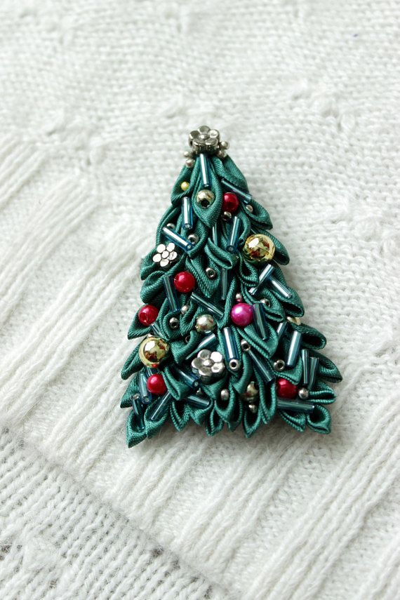 This Small Christmas Tree Brooch Will Be A Good Gift For Or Woman