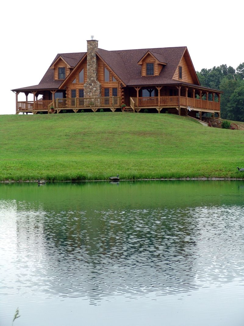 The Honest Abe Grandfield log home plan was modified to create the ...