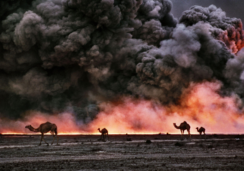 Burgan Oil Fields Burning Kuwait 1991 C Bruno Barbey Magnum Photos Magnum Photos Photo Street Photography