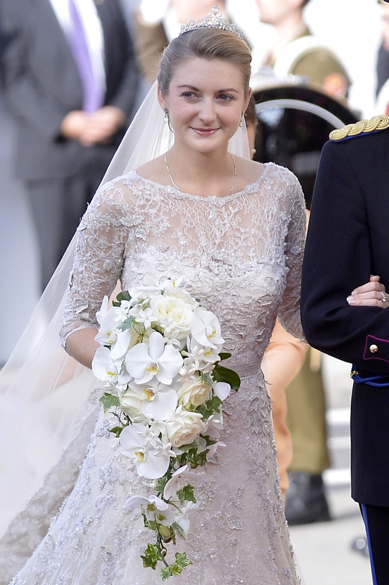 Pin By Sharon Naylor Toris On Royal Wedding Gowns Royal Wedding Gowns Royal Wedding Dress Marriage Dress [ jpg ]