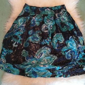 I just discovered this while shopping on Poshmark: Stunning Tory Burch Silk Skirt. Check it out! Price: $125 Size: 2, listed by kmully