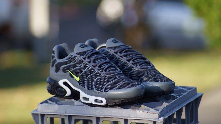 2013 Nike TN Flashes